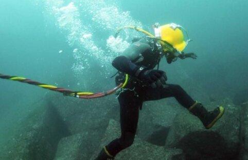 Rumitnya Kabel Bawah Laut di Indonesia
